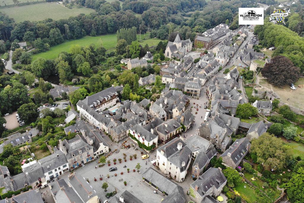 Vue-Aérienne-Rochefort-en-Terre-Médiévales-2018-06